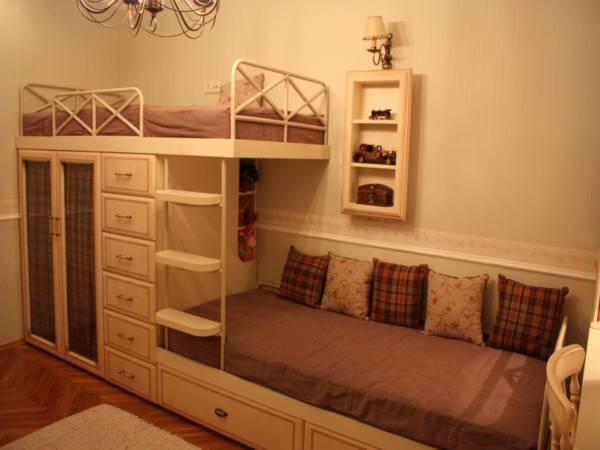 Кровать двухъярусная для