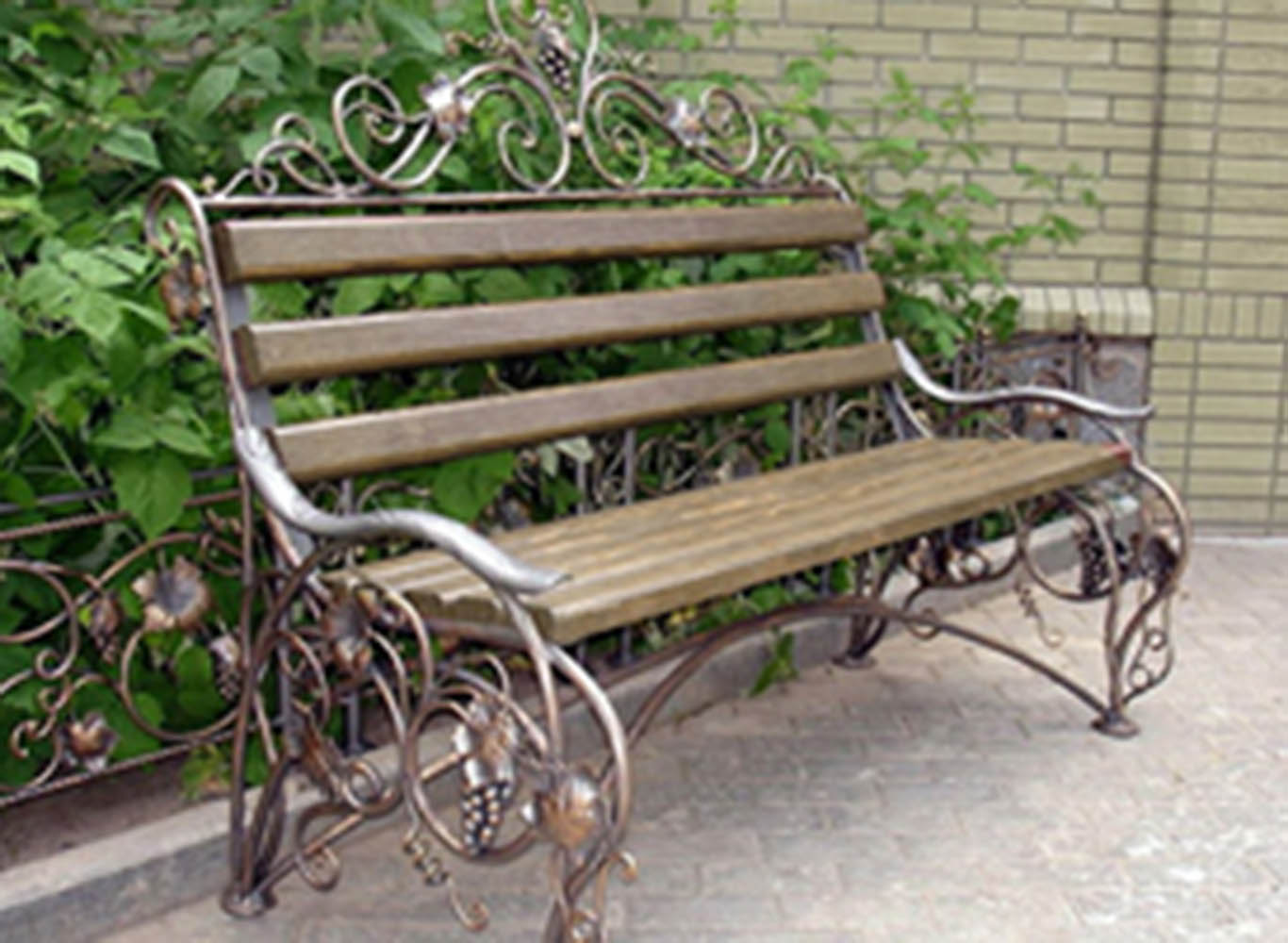 Широкая скамейка