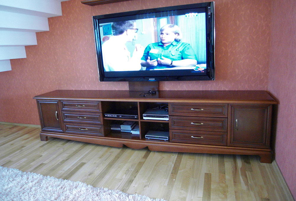 Тумба под телевизор из массива дерева  минск