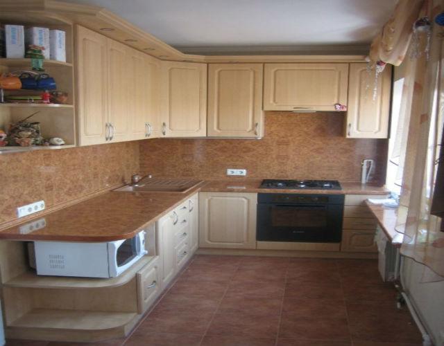Стильная кухня фото маленькая кухня