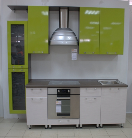 Квадратная маленькая кухня дизайн фото