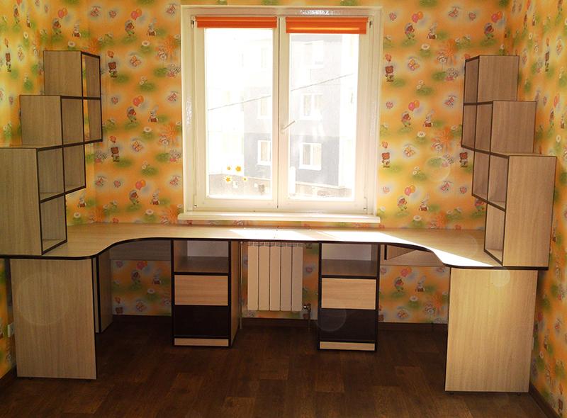 Письменный стол для двух детей своими руками 33