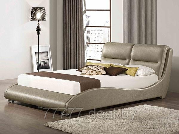 Кровати двуспальные из экокожи