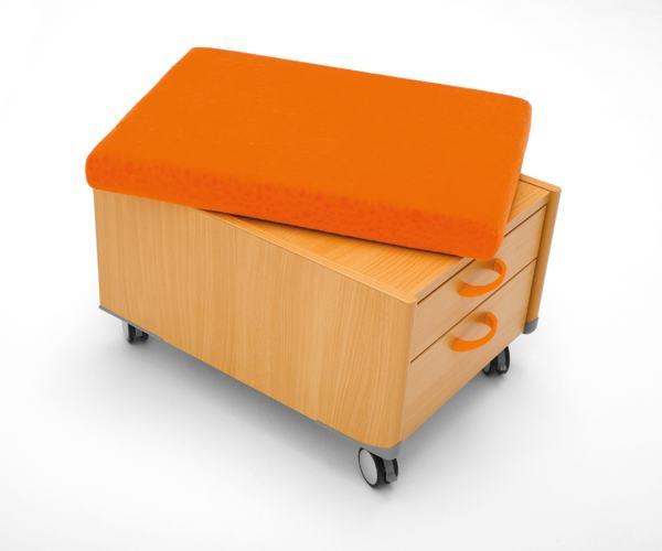 Пуфик на колесиках с ящиком