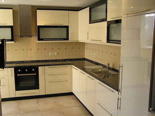 Кухня белая мебель фото дизайн угловые