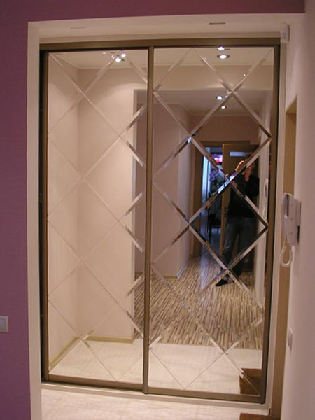 зеркальные двери шкафа купе фото