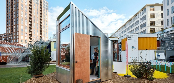 Tiny offices dutch invertuals droomparken dezeen 2364 col 13
