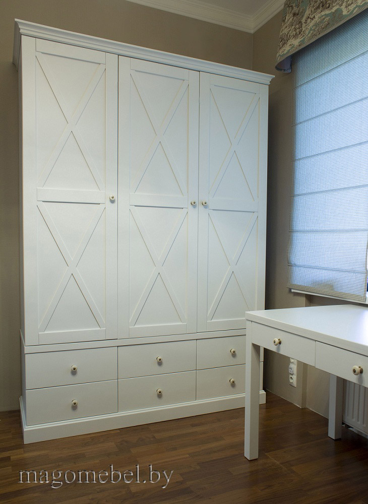 шкафы стеллажи и буфеты из массива купить натуральную мебель по