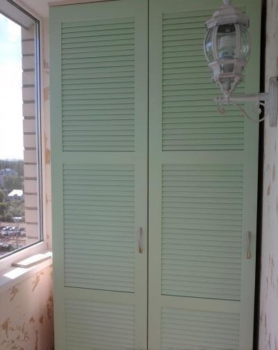 Двустворчатый шкаф для балкона.